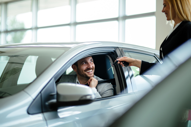 Új gépjármű értékesítő