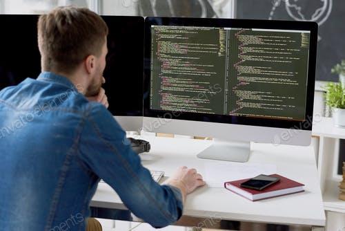 Full-stack webfejlesztő