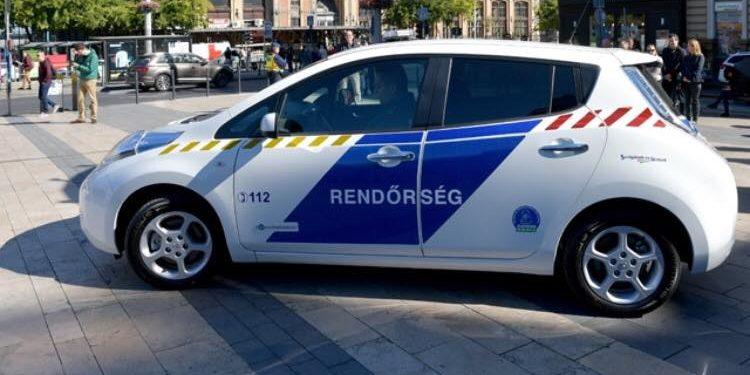 Nissan Leaf, mint hazai rendőrautó
