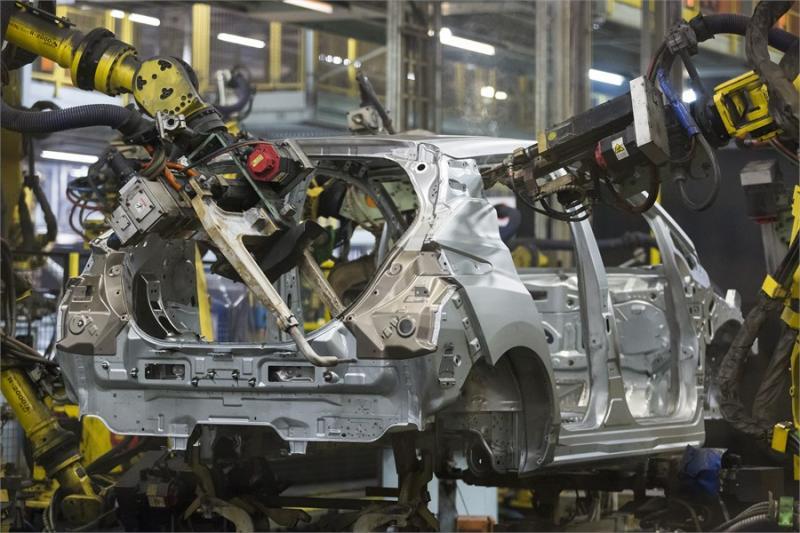 Megkezdődött az új Nissan LEAF gyártása Európában