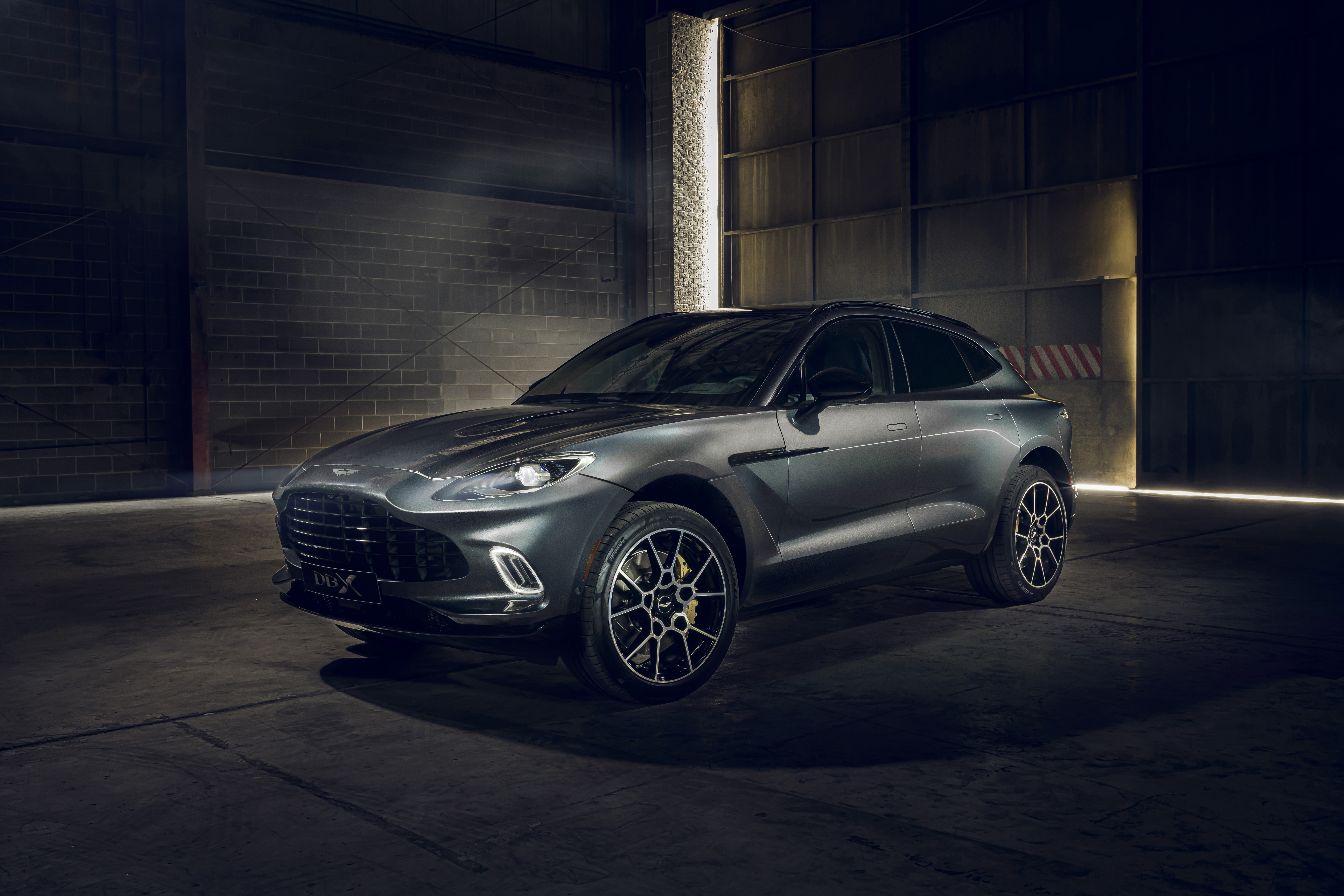 "Az ASTON MARTIN DBX ELNYERTE A SUNDAY TIMES ""BEST DESIGNED CAR OF THE YEAR"" CÍMÉT"