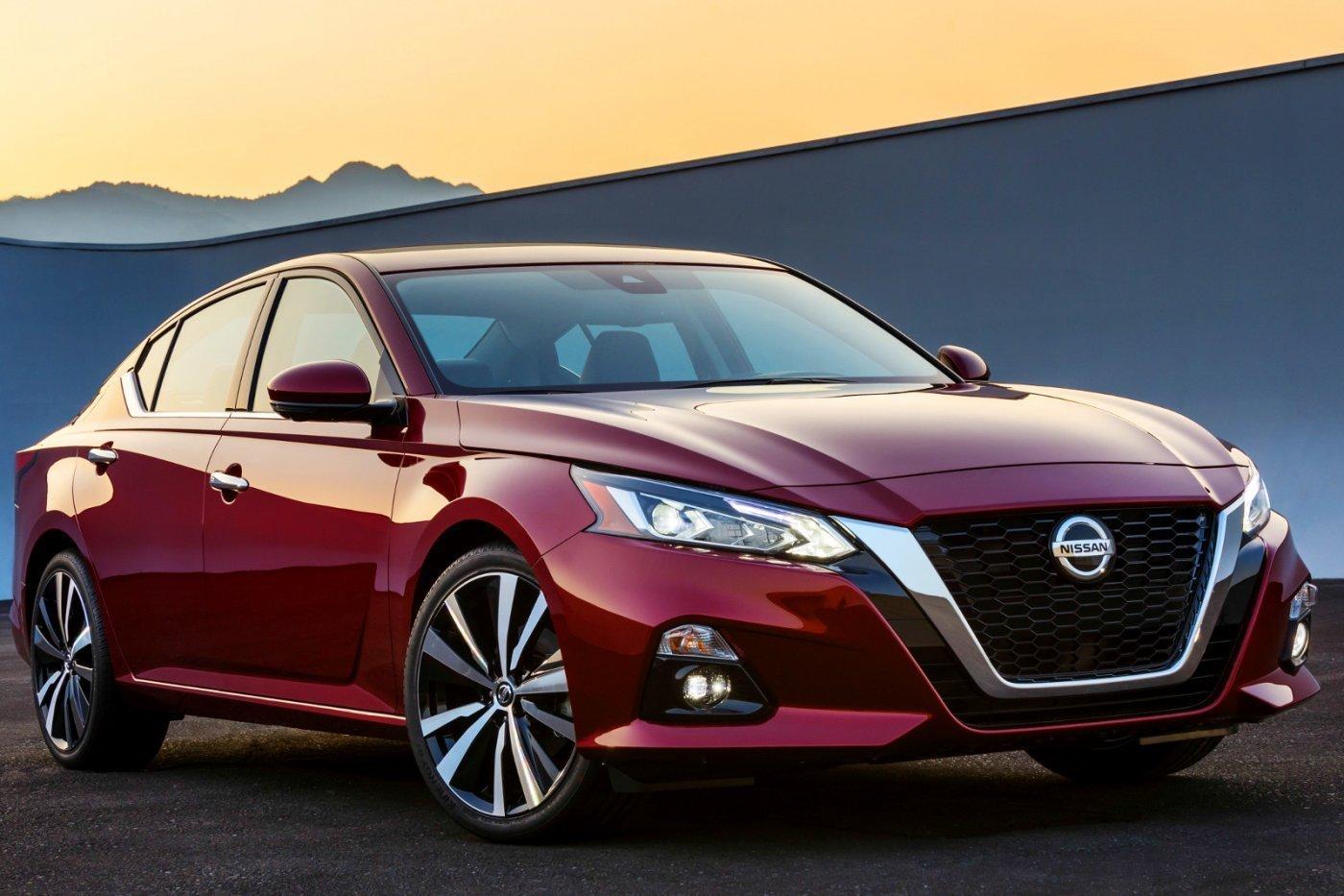 A Nissan egyik legnépszerűbb autója is megkapja a változó kompressziójú turbómotort