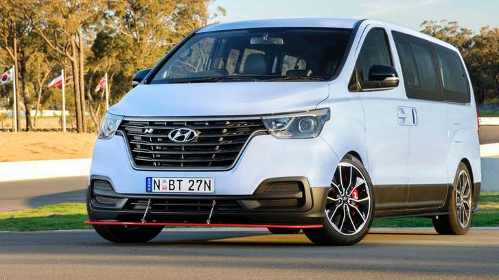 Félelmetesen gyors kisbuszt épített a Hyundai sportrészlege