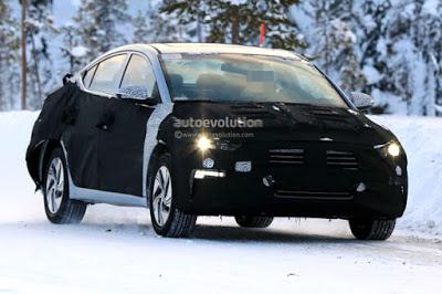 Villanyhajtást kap a Hyundai Elantra
