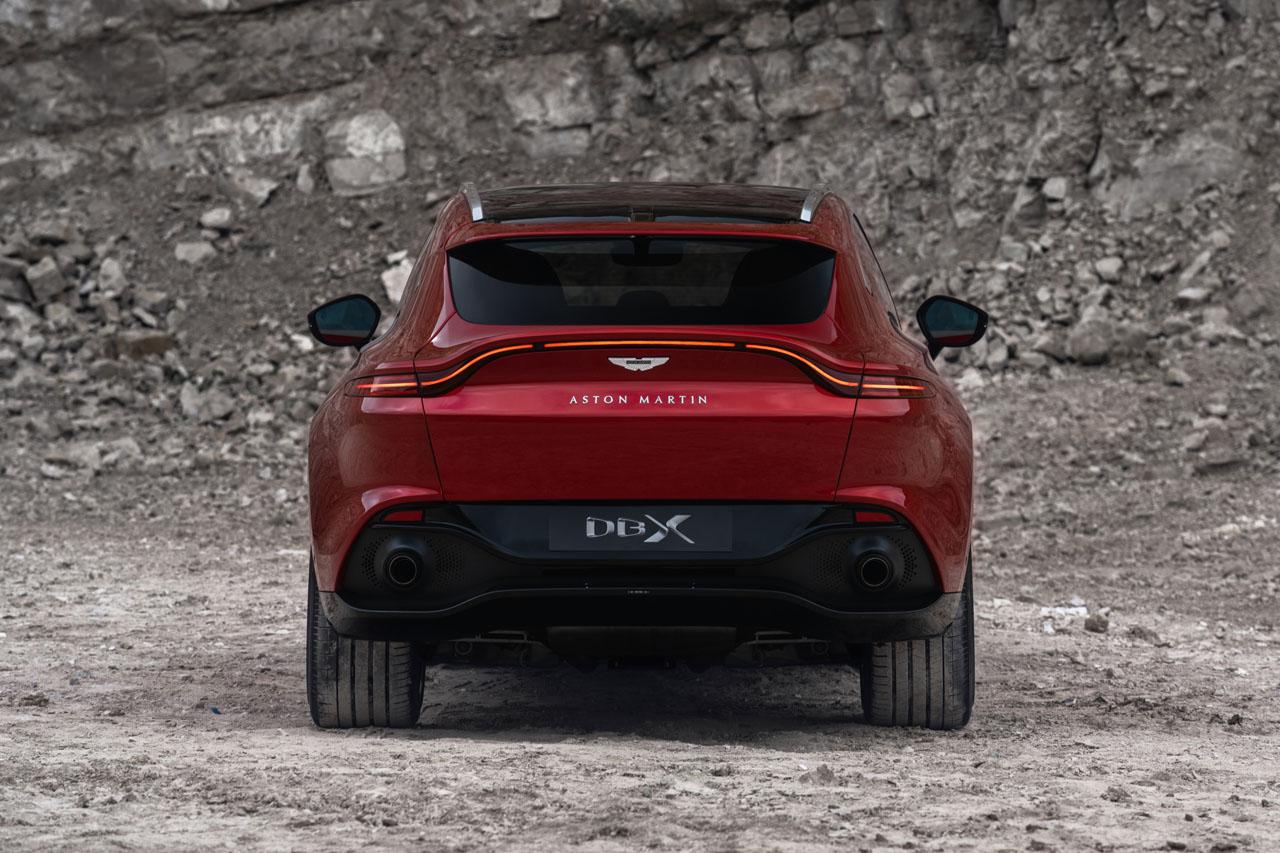 Aston Martin DBX_07.jpg