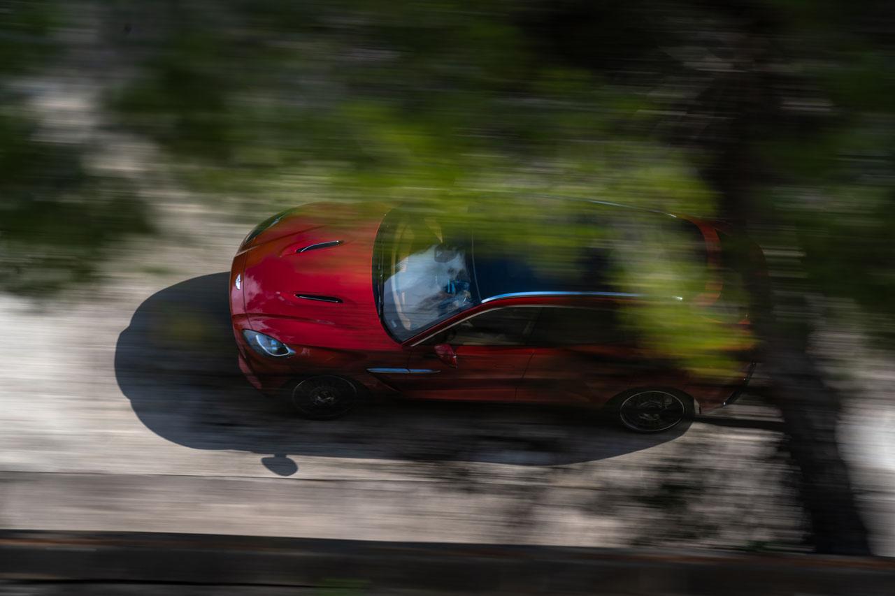 Aston Martin DBX_30.jpg
