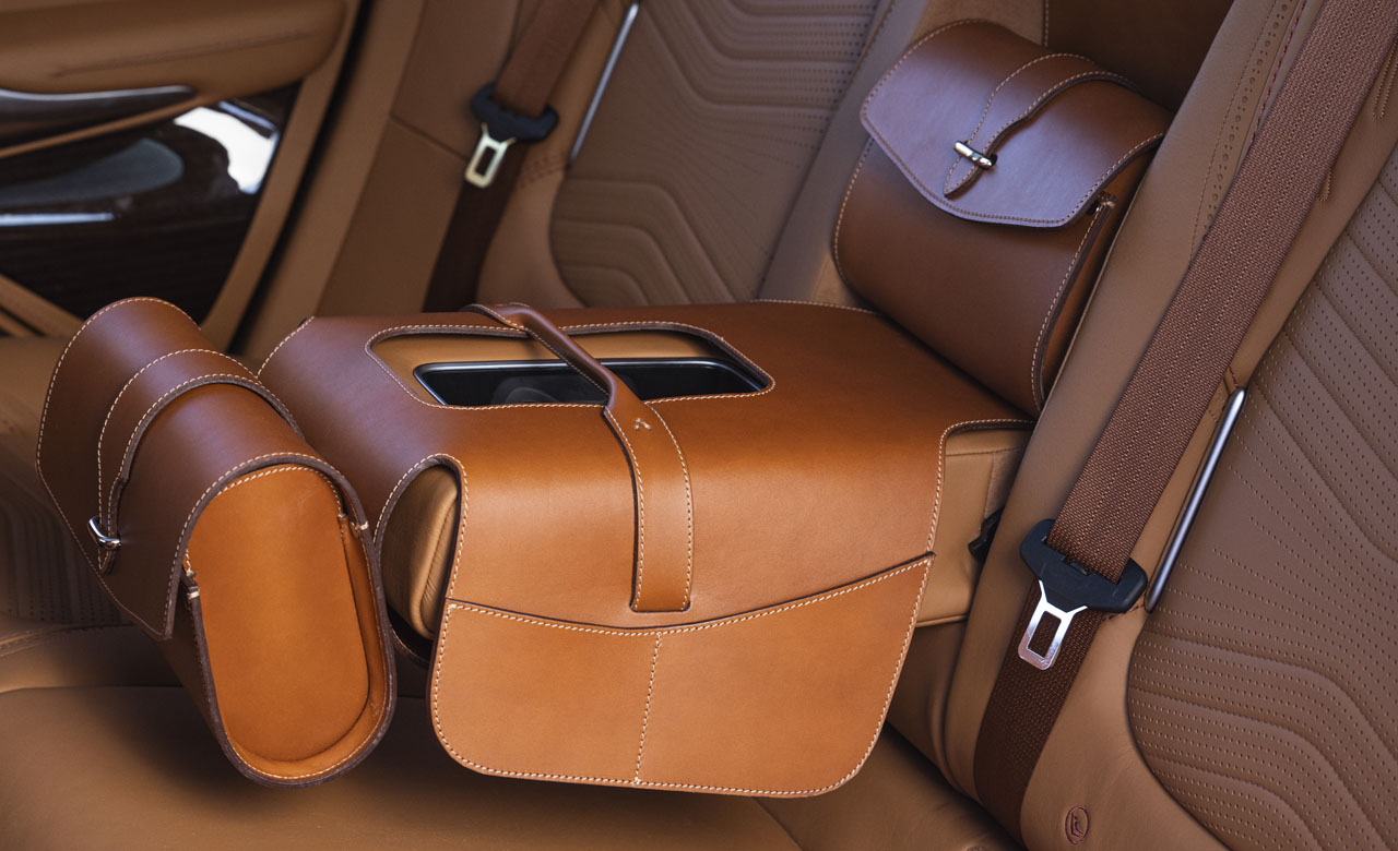 Aston Martin DBX_36_Saddle Bag.jpg