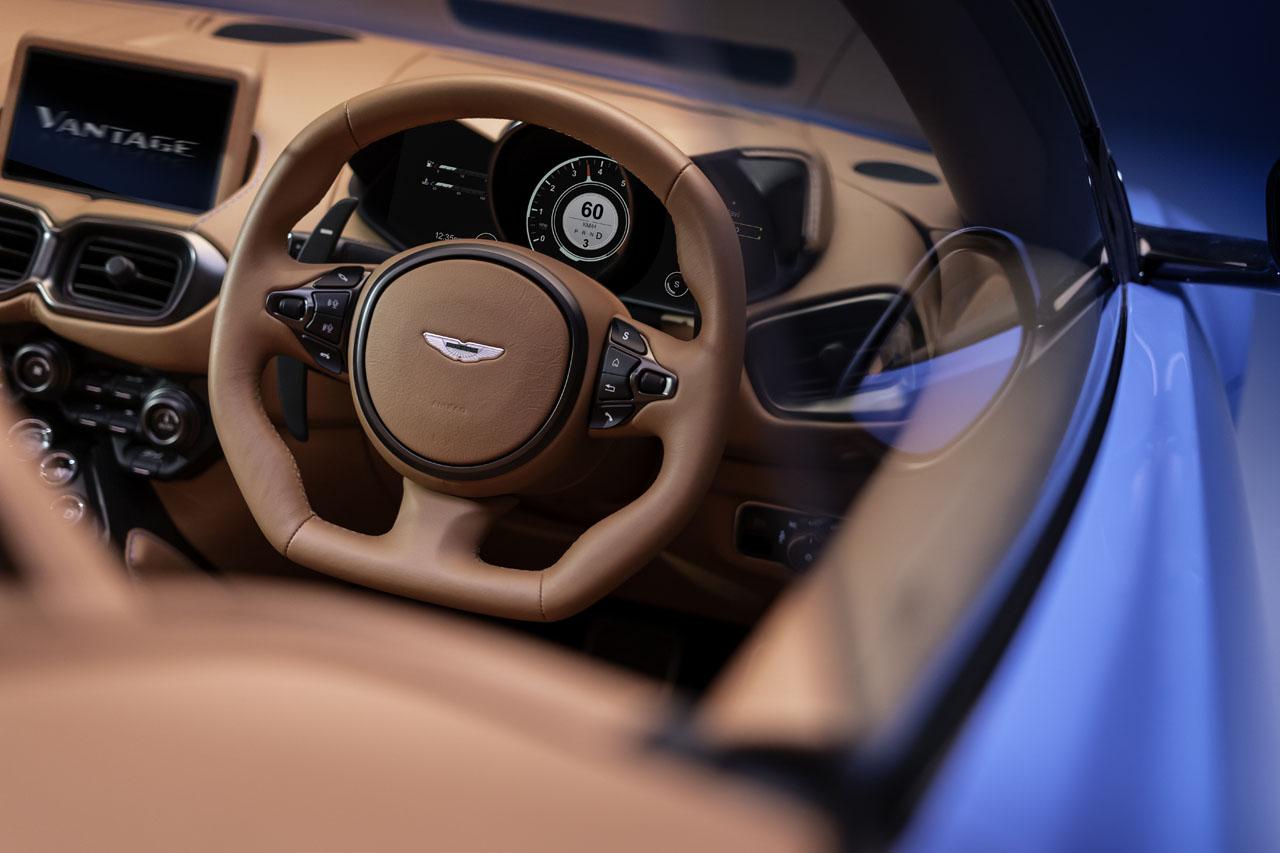 aston-martin-vantage-roadster-10..jpg
