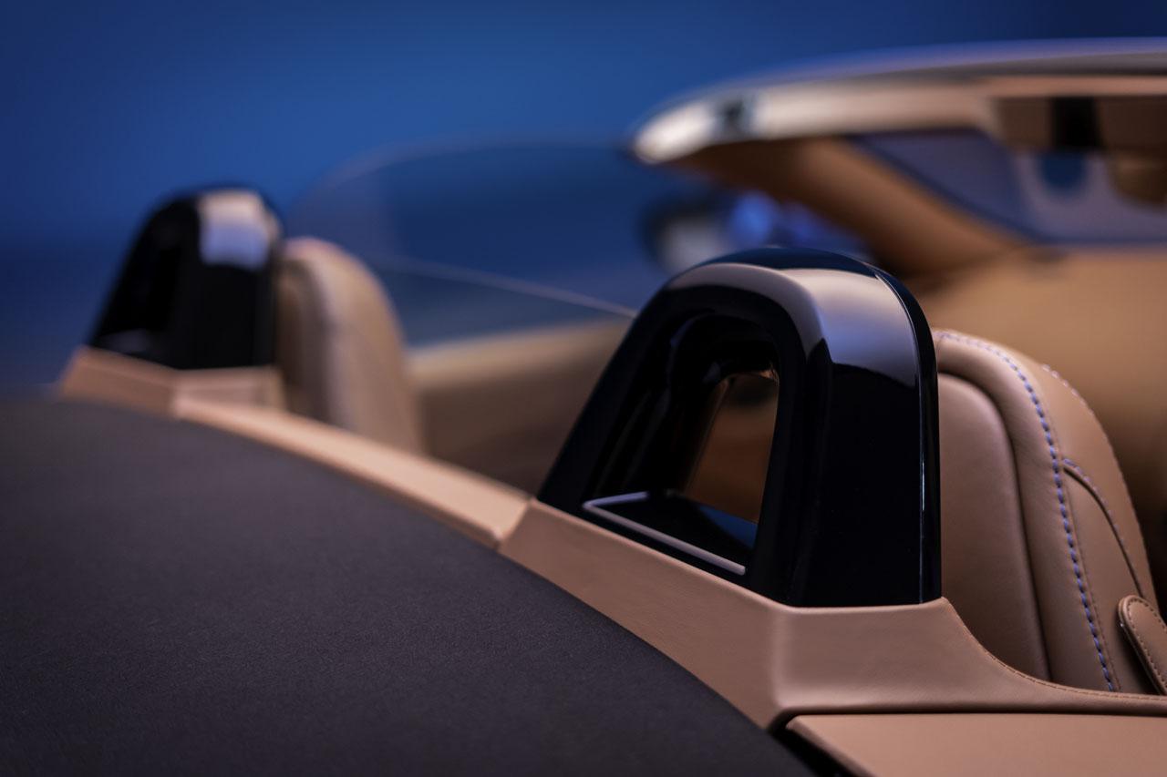 aston-martin-vantage-roadster-11..jpg