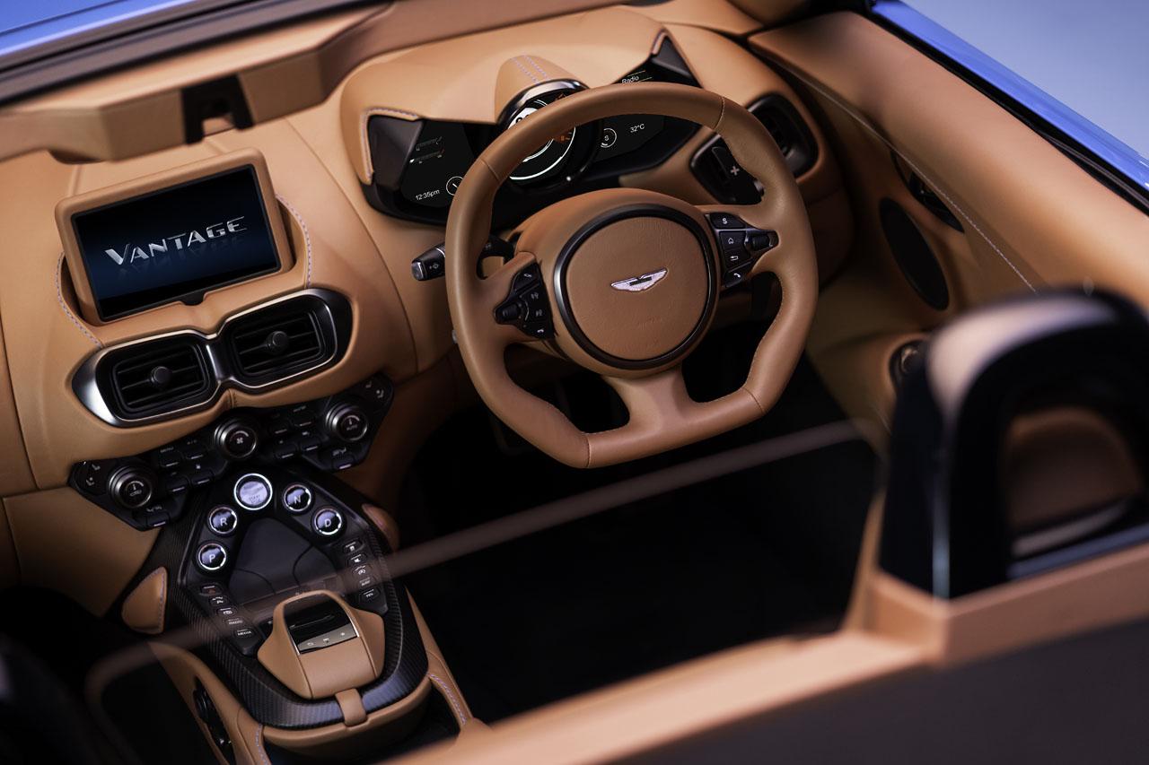aston-martin-vantage-roadster-12..jpg