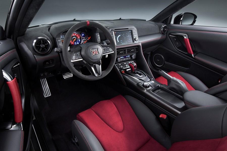 Nissan GT-R Nismo Belső 3.